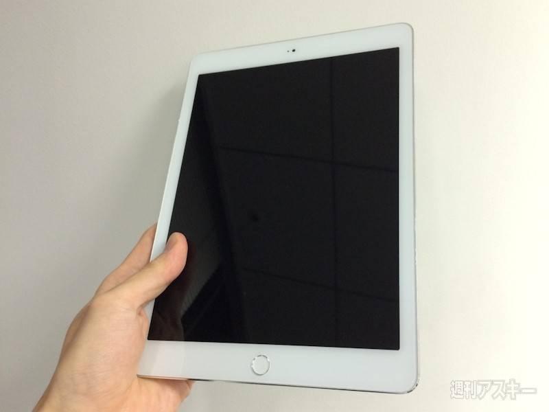В сети появились живые фото еще не анонсированной новинки Apple iPad Air 2
